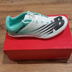 New Balance Women's WMD500W6 Size 9 Track Shoes